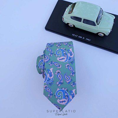 corbata verde esmeralda con estampado cachemir