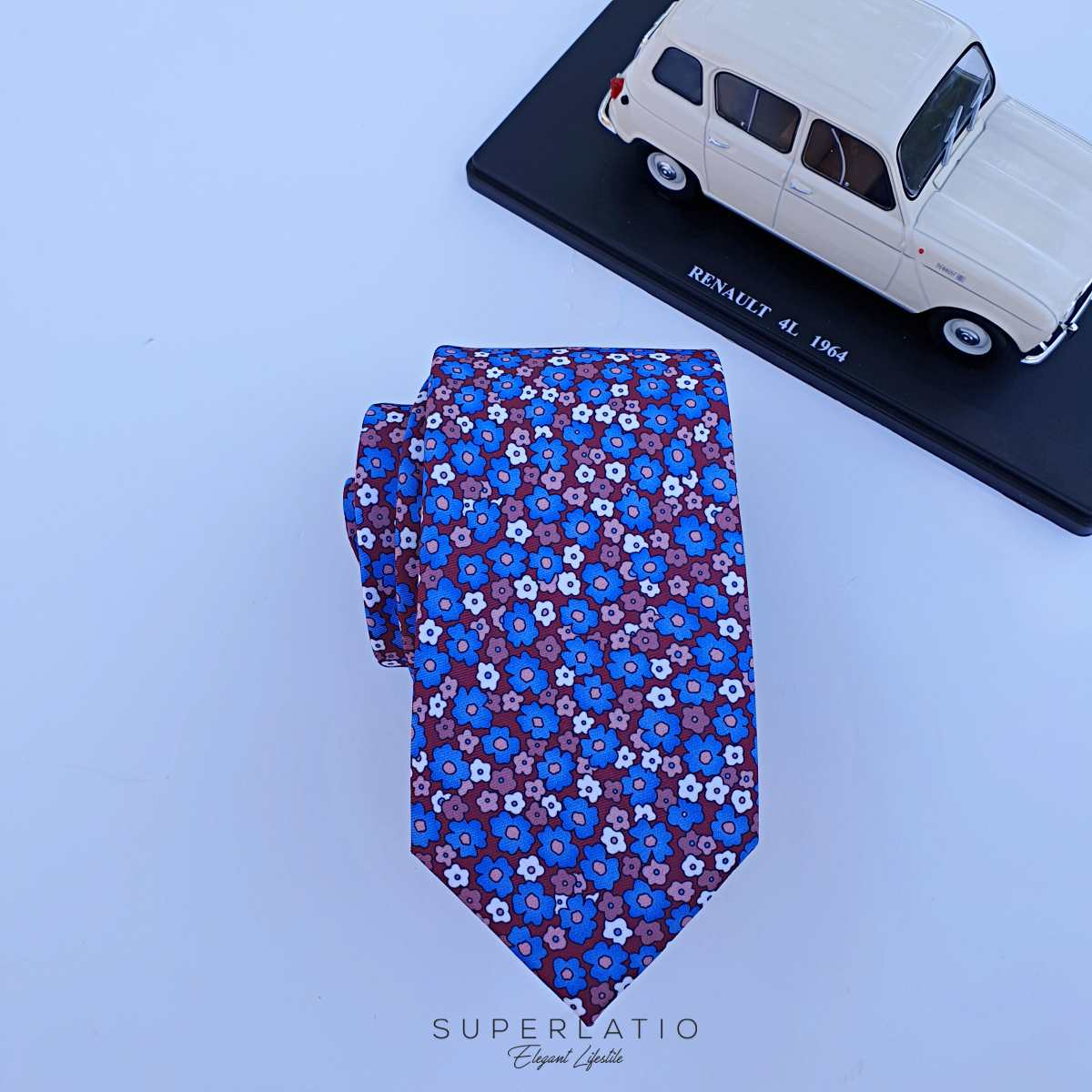 corbata burdeos liberty