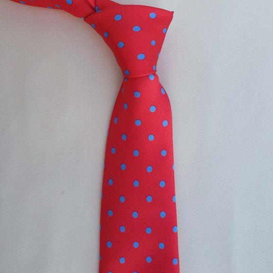 corbata roja de lunares azul